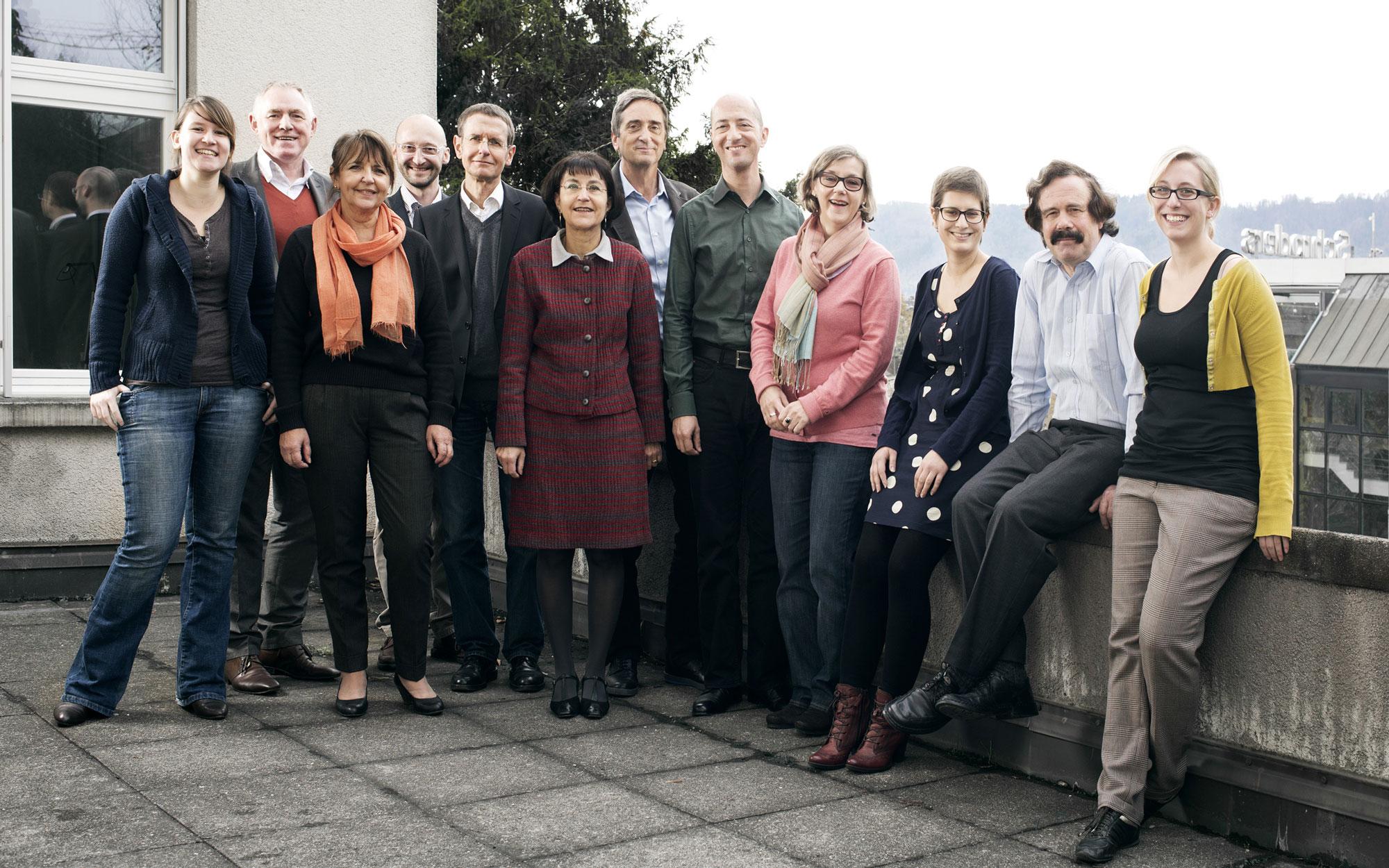 Das Idiotikon-Team auf der Terrasse des Instituts (2012)